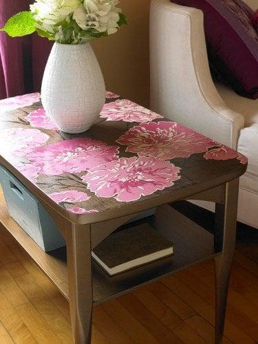 vintage looking table top using wallpaper scraps