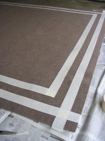 Indoor outdoor rugs trends 4 diy outdoor rug tutorialsdecorated life for Can you use interior paint outdoors