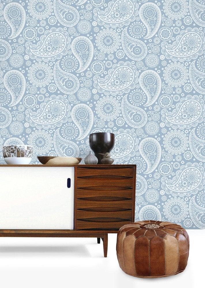 paisley crescent wallpaper - source - minimoderns.com