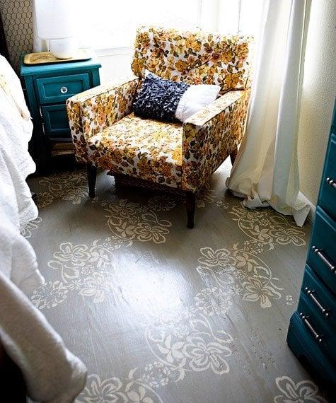stencilled floor - source - thesistersophisticate.blogspot.com.au