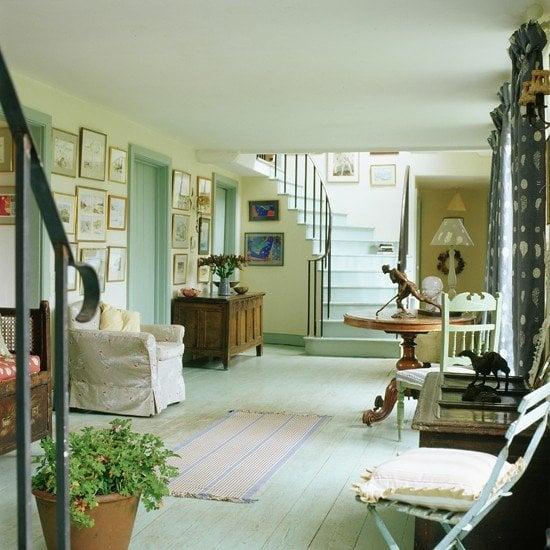 blue-hallway-flooring