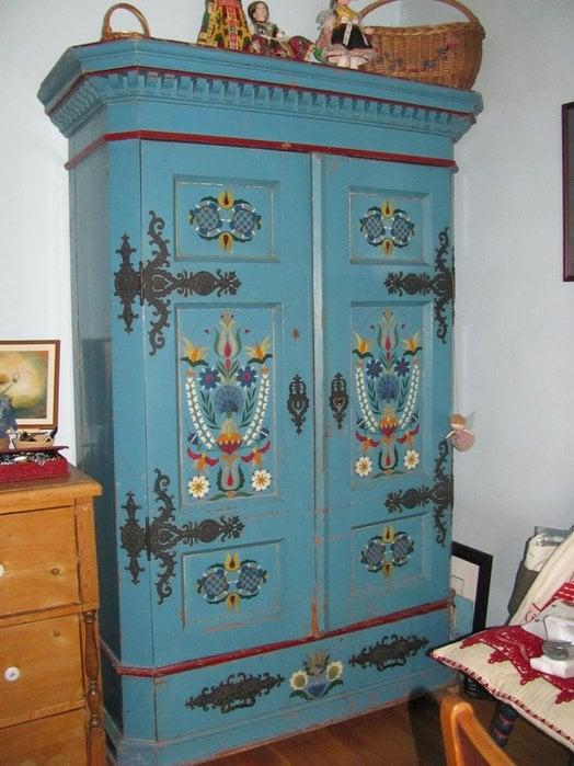 Source - liveinternet.ru - stencilled cabinet