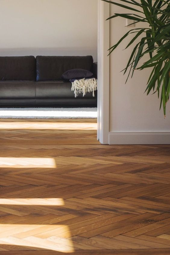 Top inspiring flooring trends for your home decorated life for Chevron laminate flooring