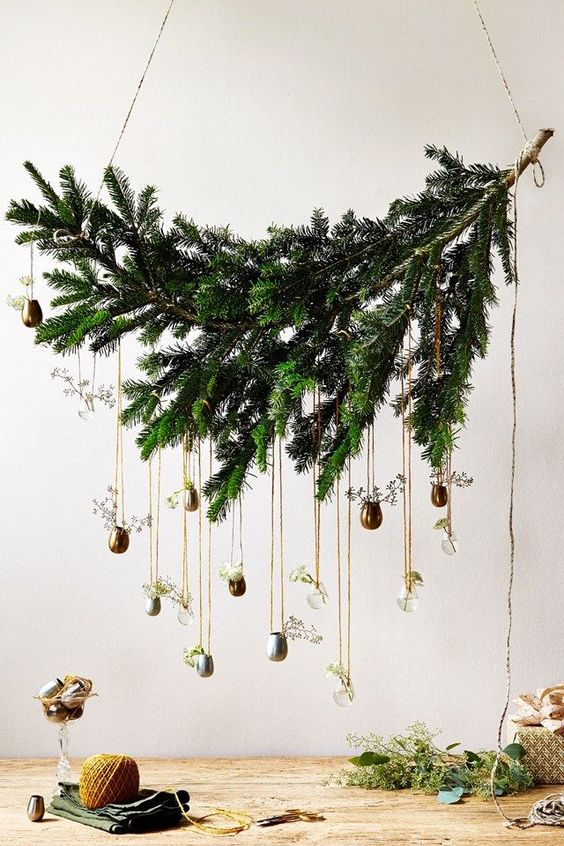 Short Courses: DIY Decorations - Our round up of the best classes for learning how to DIY decorations - Christmas ideas and inspiration on HOUSE by House & Garden.