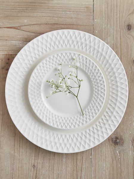 white traditional plates