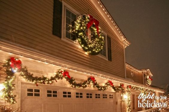 Outdoor Christmas garage