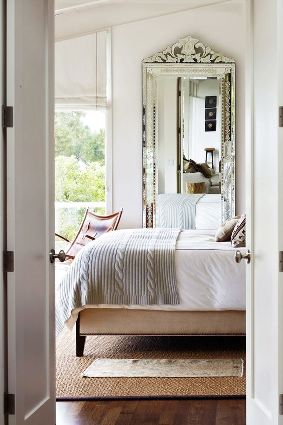 Bedroom mirror idea