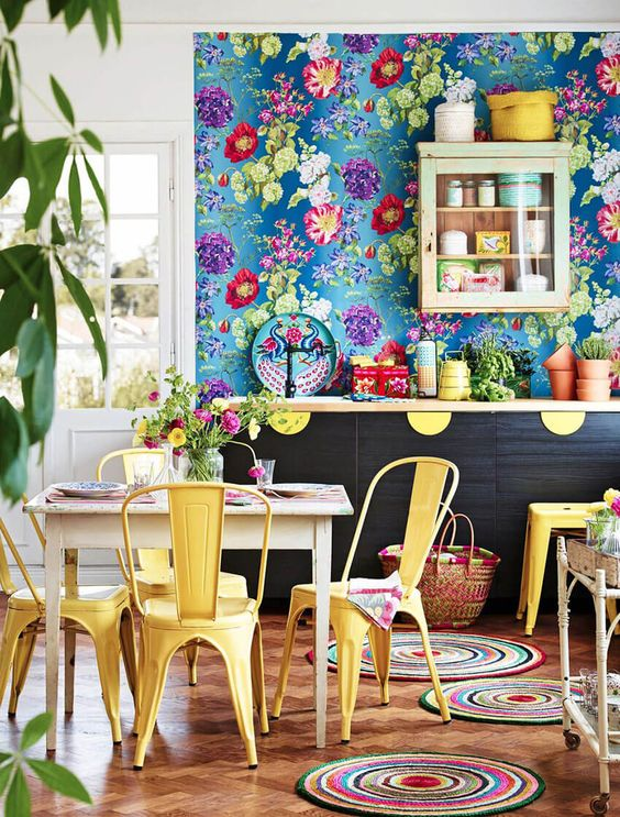 Bold Floral Wallpapers