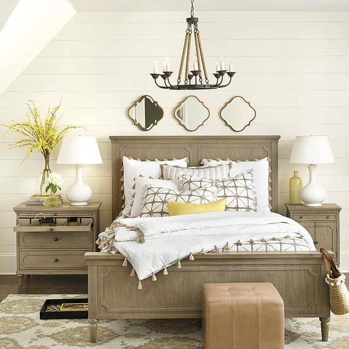 23 Farmhouse Bedroom Ideas in 2021