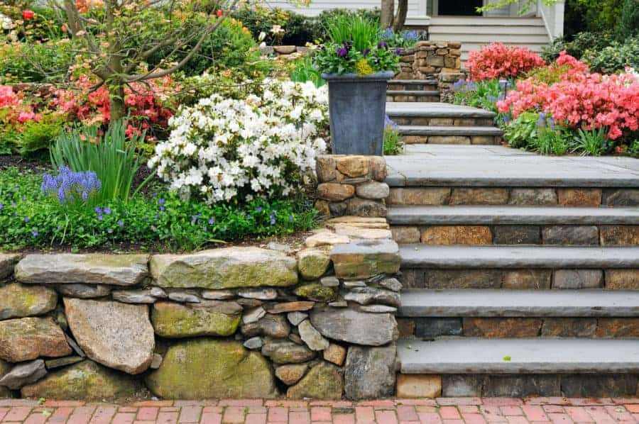 Build a Natural Stone Retaining Wall