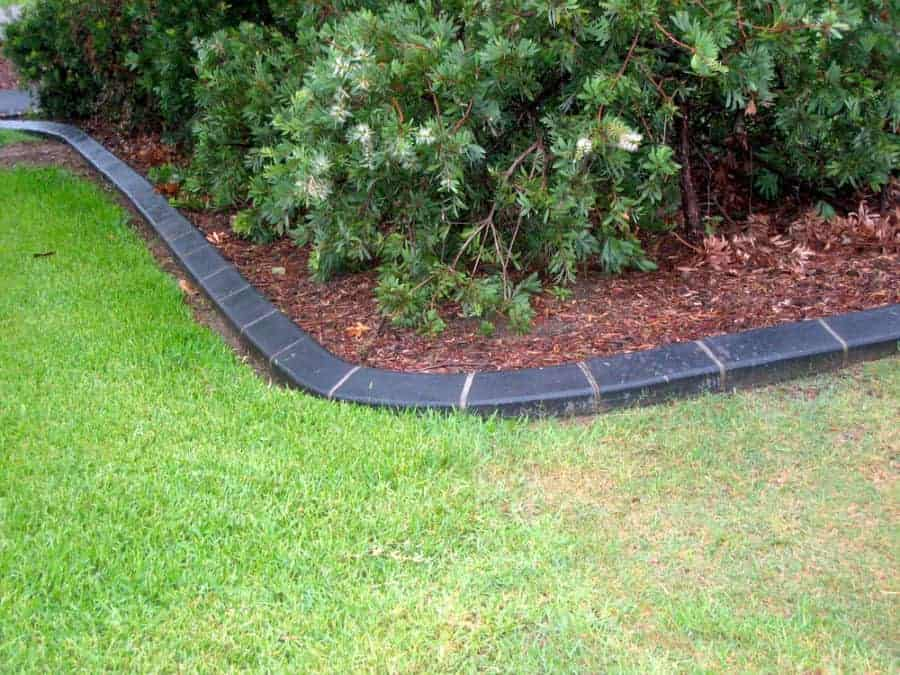 Go Classic with Black Brick Edging