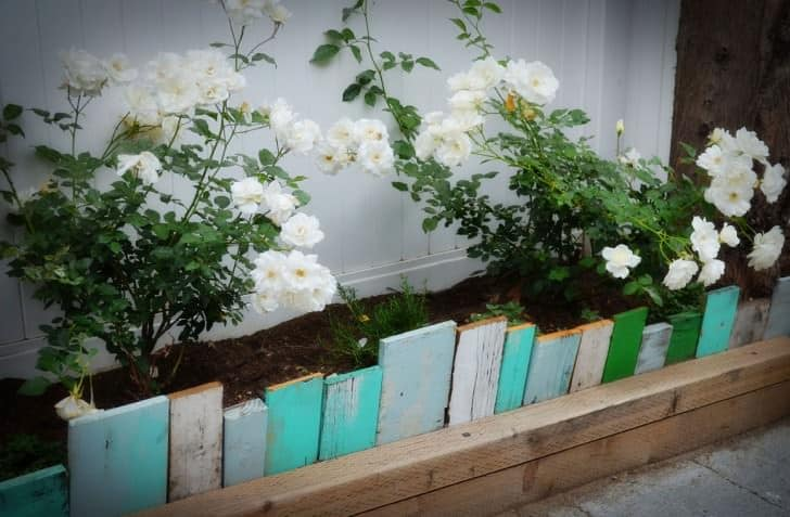 Build a Wall with Painted Wood Pallets