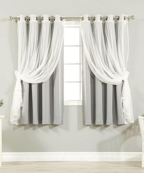 Twin Curtains with One Type Knotted Up
