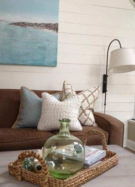 Mix and Match With Whites, Grays, and Pale Blues