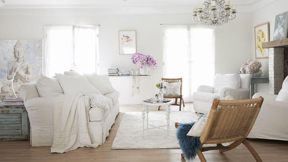 A Super Comfy Shabby Chic Place