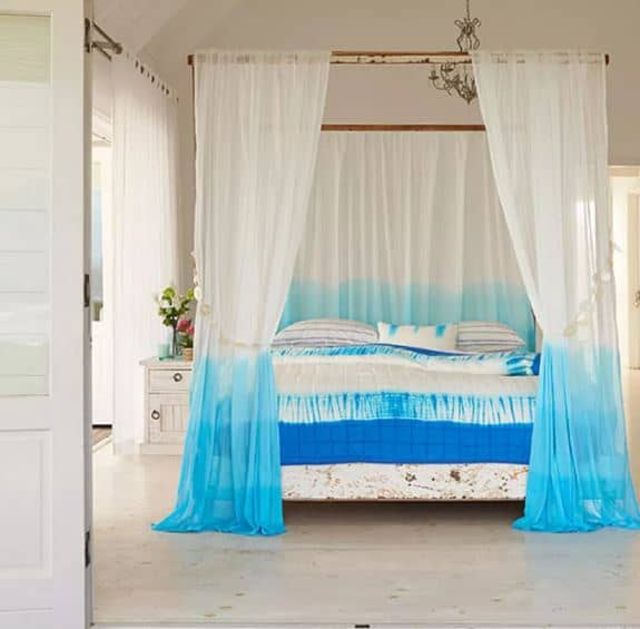 28 Breezy Beach Ideas for Bedroom Decor