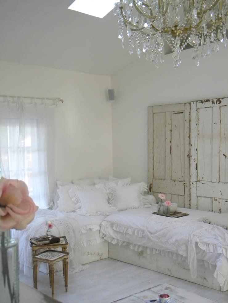 A Girlie Shabby Chic Living Room