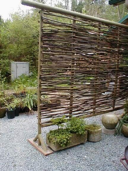 Make a Moveable Wattle Privacy Screen