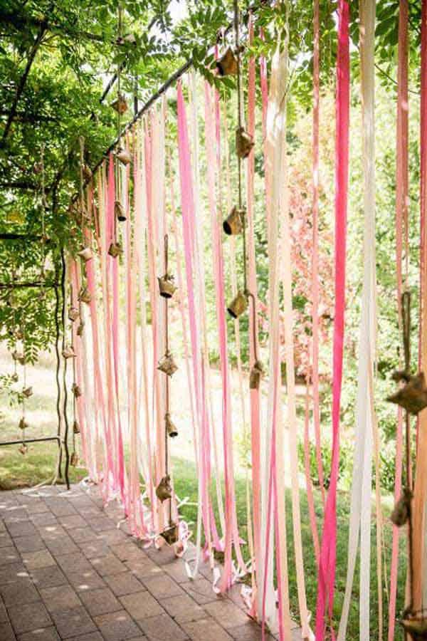 Hang a Magical Ribbon Screen