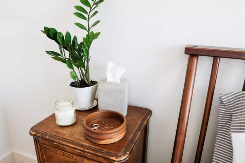 Remove Clutter From the Night Stand
