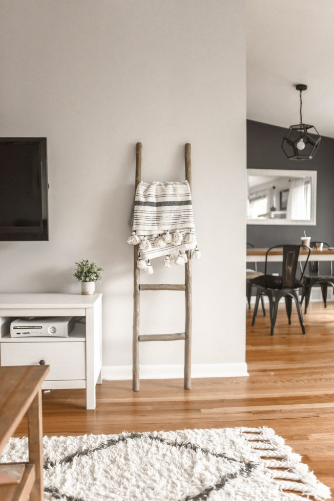 How To Choose Gray Paint Colors Accent Colors For Rooms,What Is A Coastal Living Room
