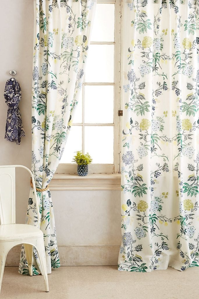 Brighten Up the Room With a Flowery Print