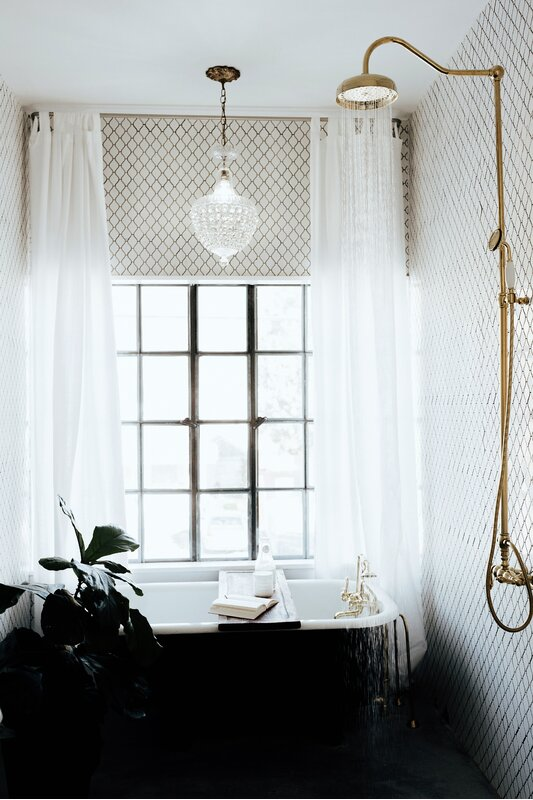 20 Gorgeous Options For Bathroom Window Curtains