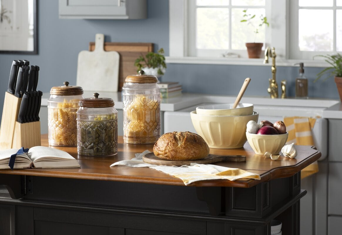 <strong>Style with Classic, Vintage Italian-Esque Jars</strong>