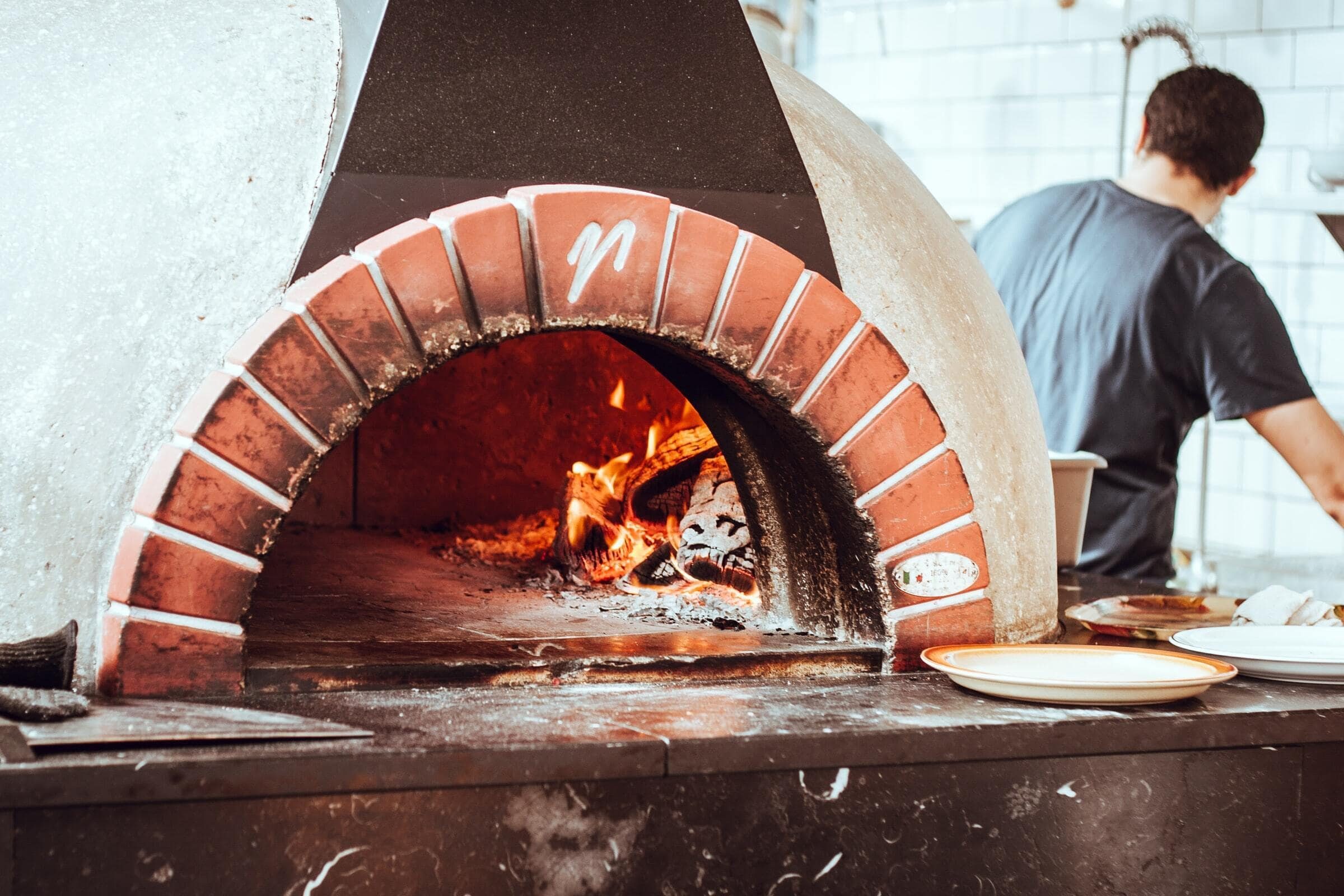 <strong>Build a Tuscan Rough-Hewn Stone Pizza Oven</strong>