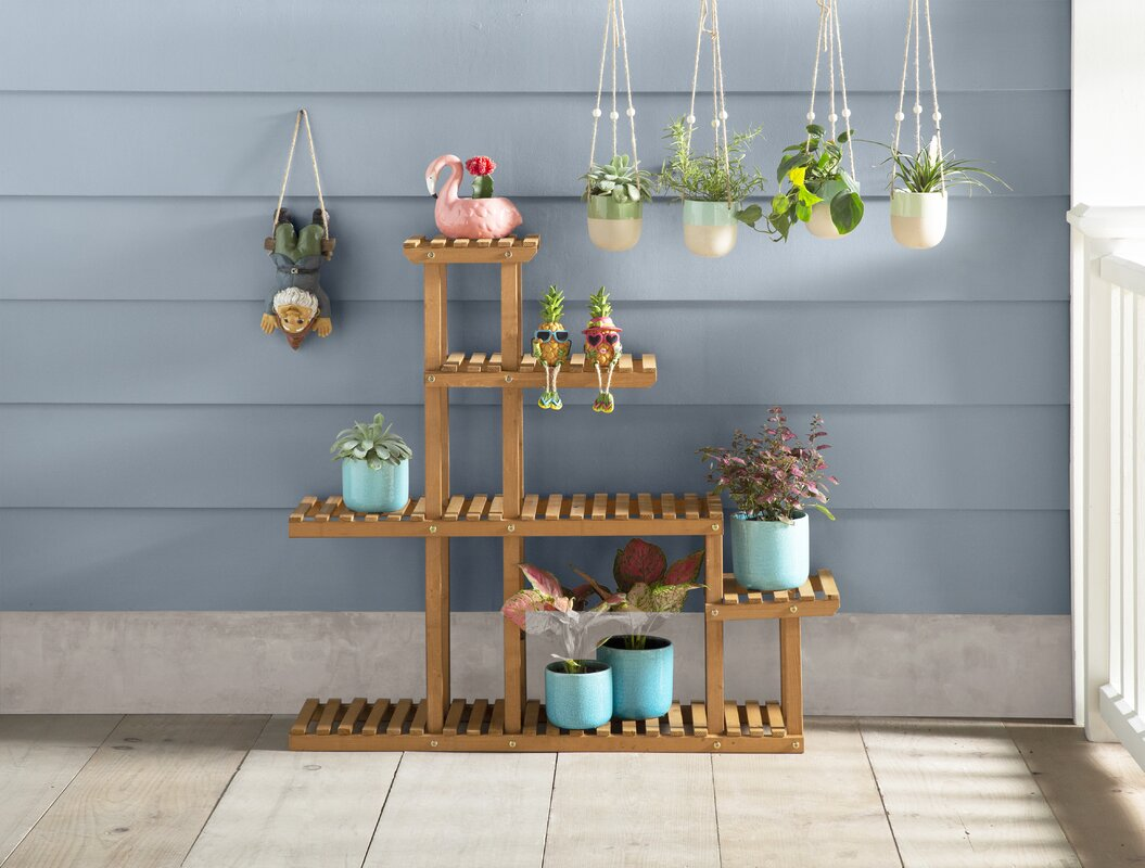 <strong>Create a Planter Wall</strong>