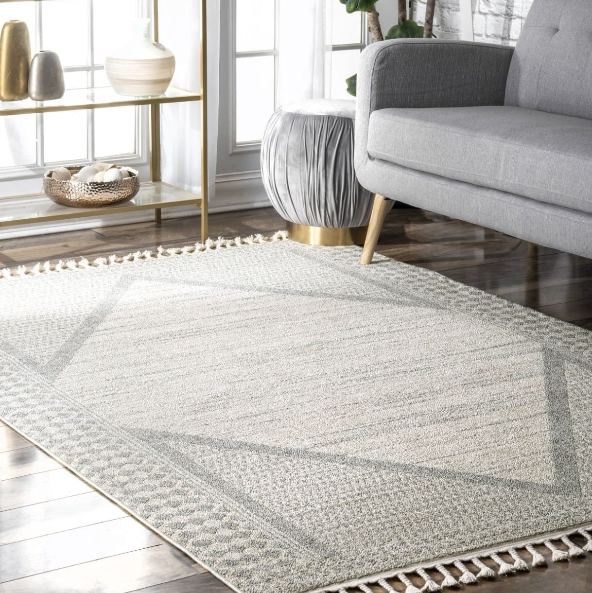 25 Gorgeous Rugs That Go With Grey Couches