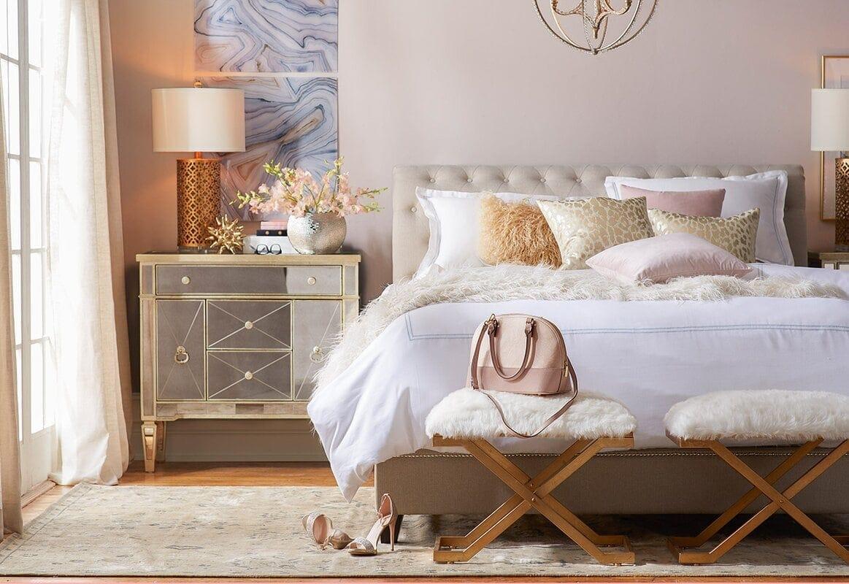 Down Comforter & White Duvet