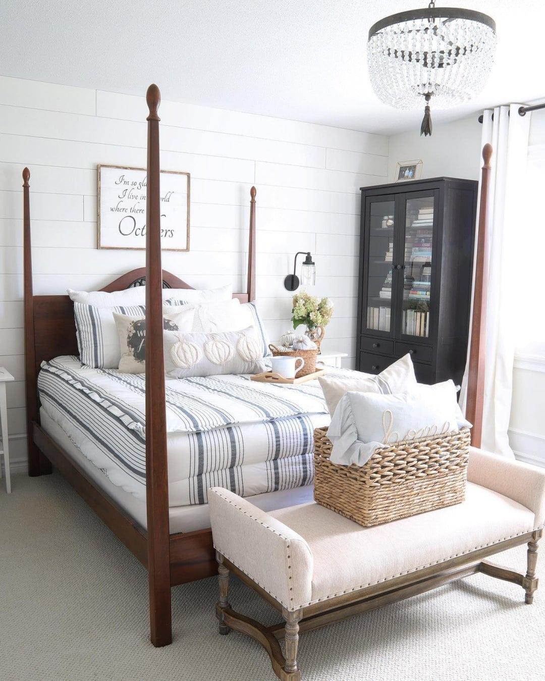 A Cool And Coastal Bedroom