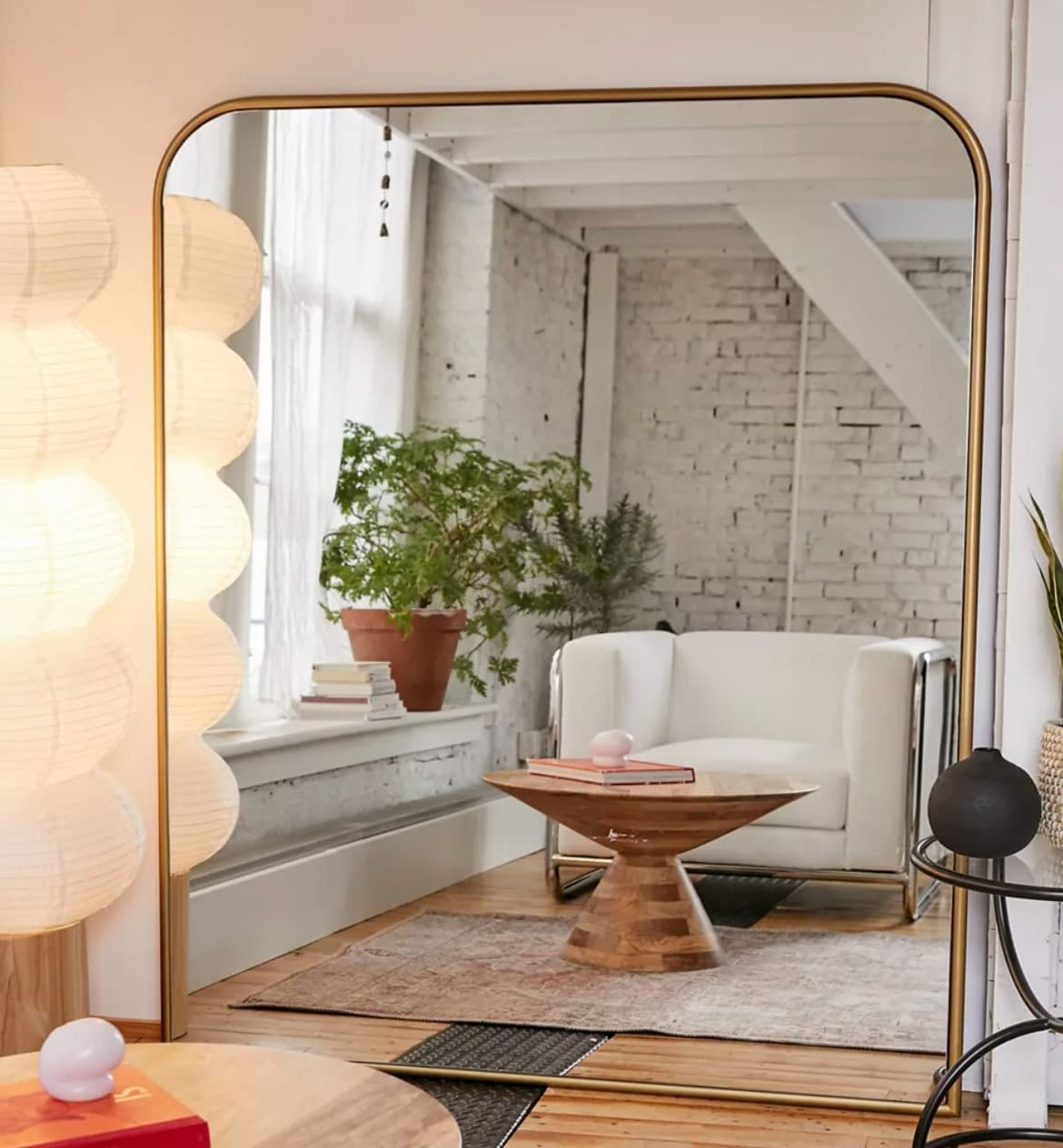 Maximize Space With an Extra Large Floor Mirror