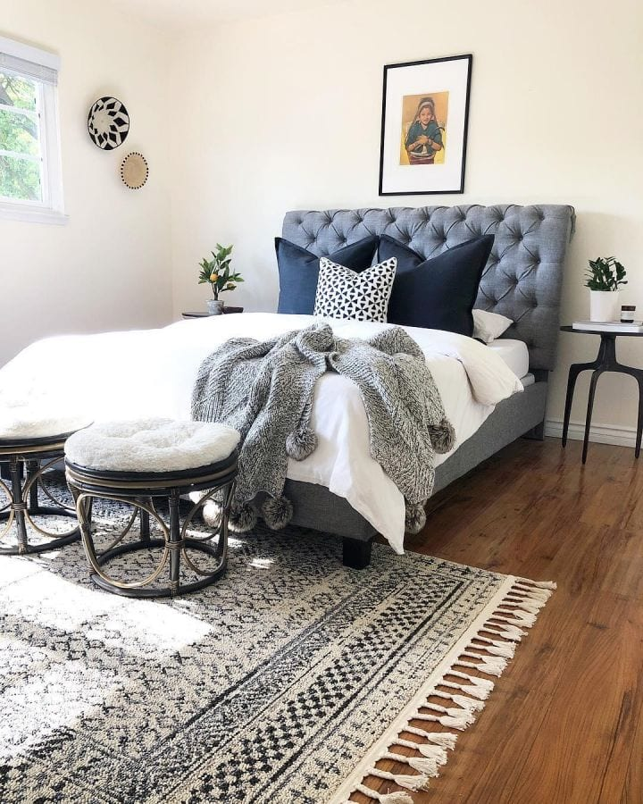 4' x 6' Rectangular Rug at The End of a Queen Bed