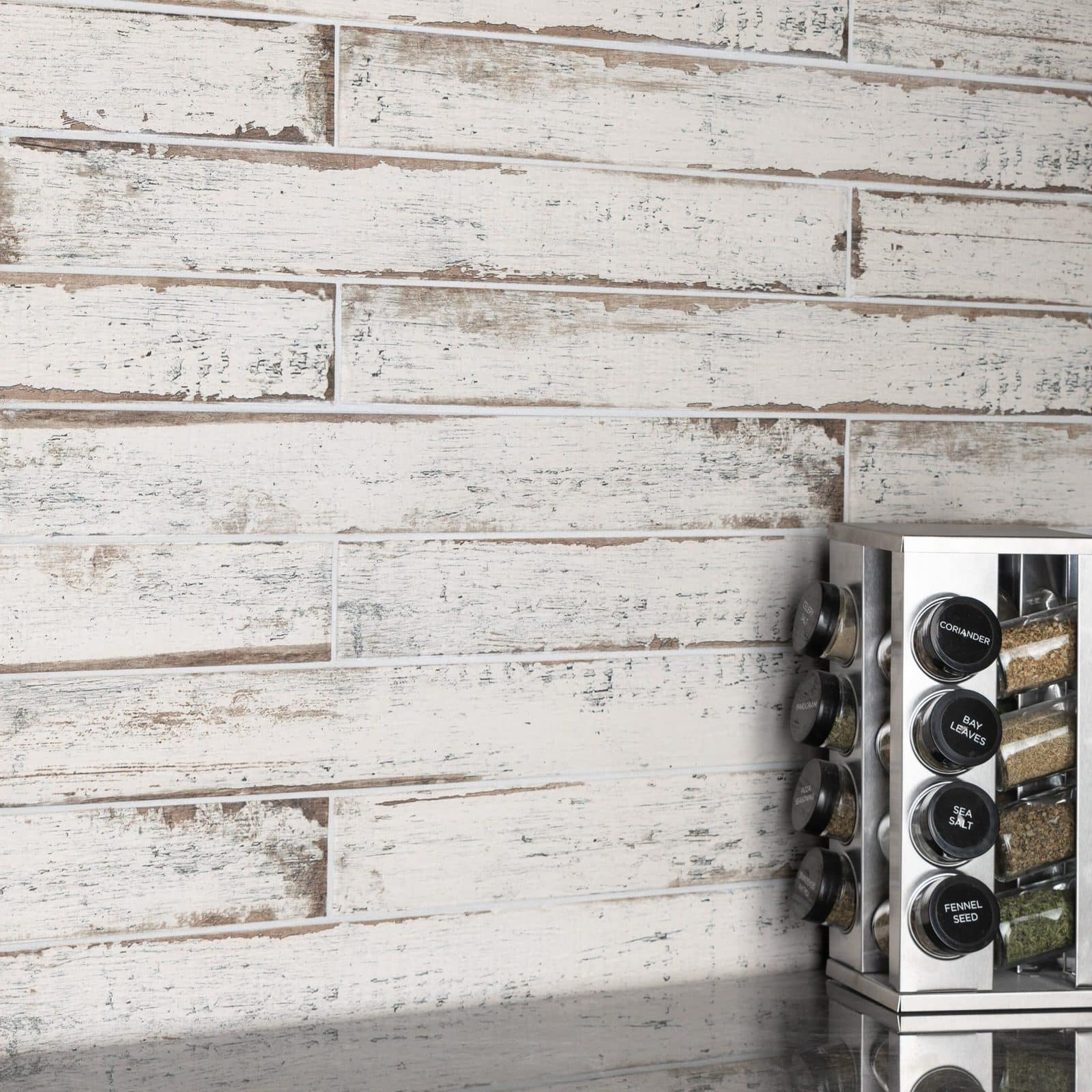 Wood-Inspired Tiles to Bring your Kitchen to the Beach