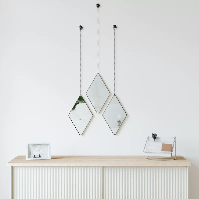Go For Versatility With a Mirror Set