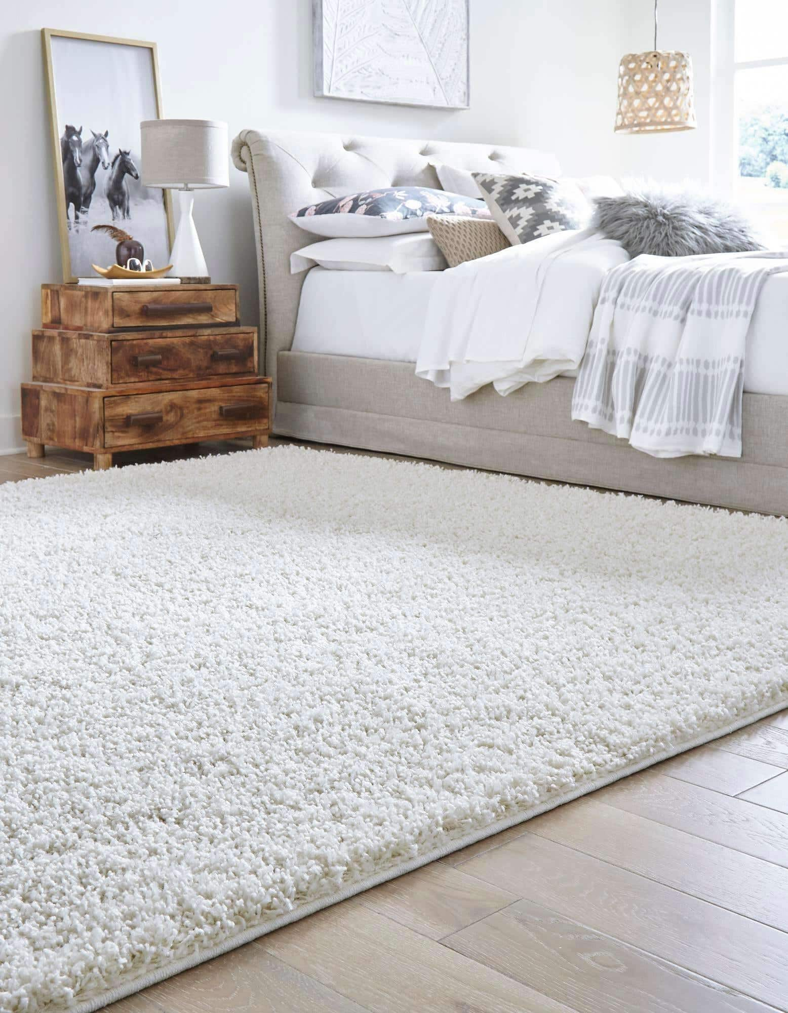 <strong>Choose a Fluffy Rug for Comfort as Well as Aesthetics</strong>
