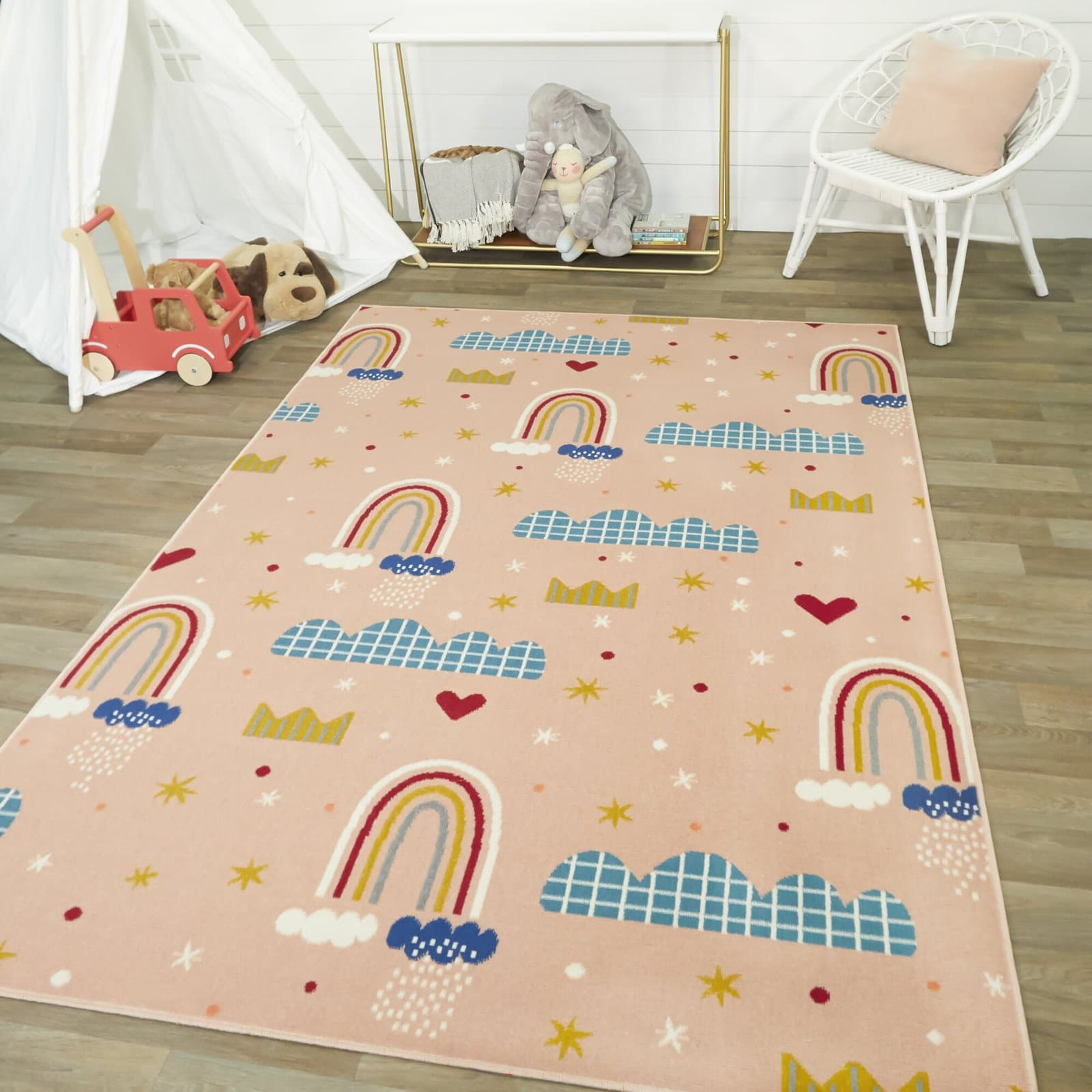 Use rugs to Create a Comfortable Play Space