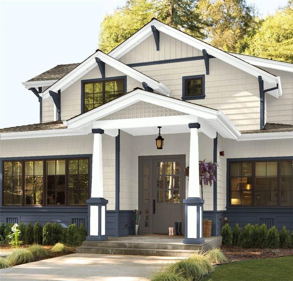 6 Exterior in Edgecomb Gray by Benjamin Moore