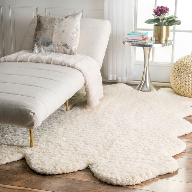 <strong>Bring Personality into your Room with a Pelt Rug</strong>
